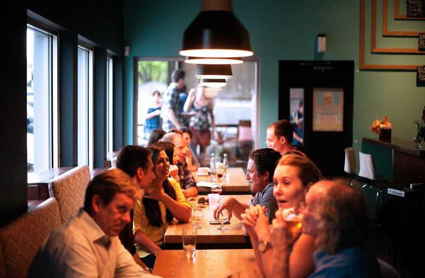 Restaurants face staffing shortages after more people are vaccinated